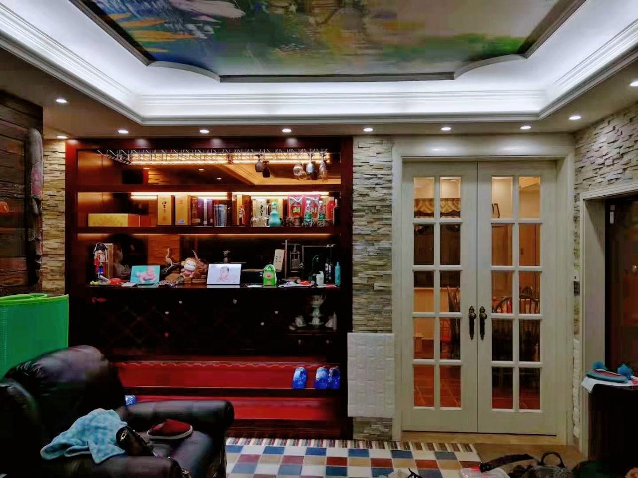 春江花园3室2厅2卫125万元