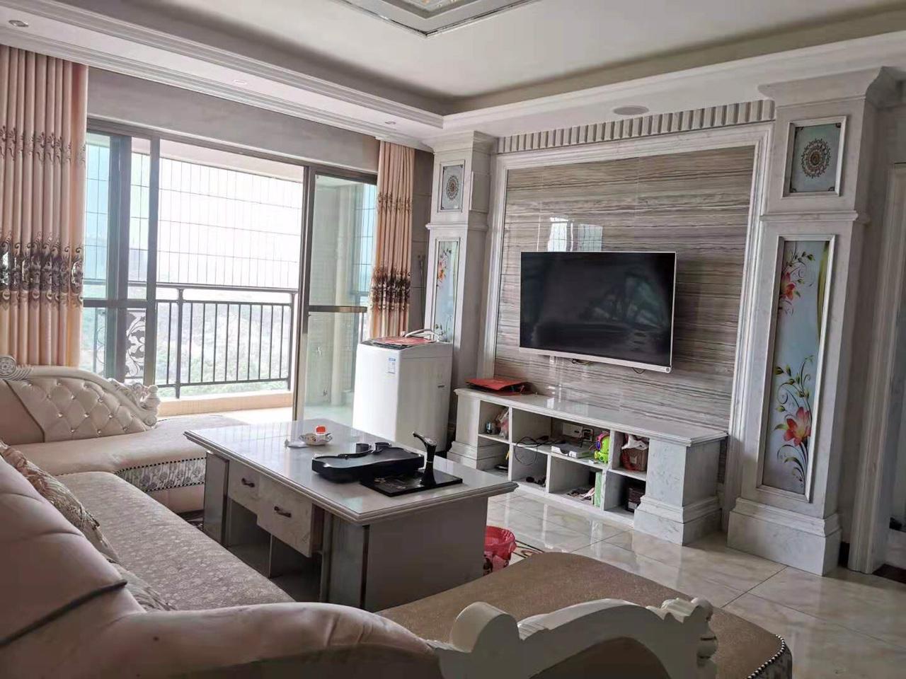 碧桂华庭4室2厅2卫75万元