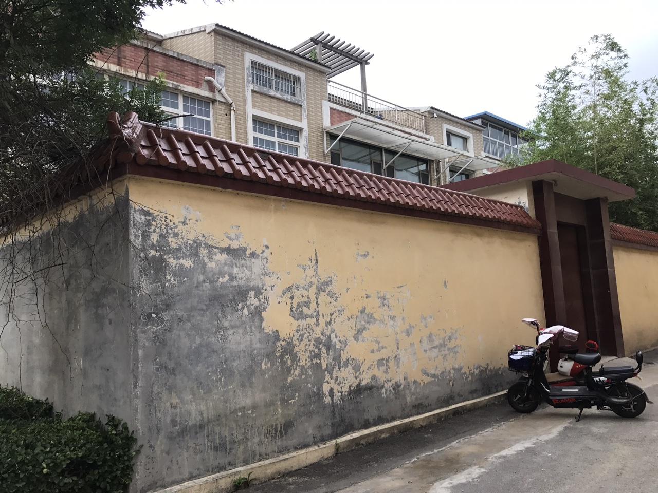 别墅乾元福居1-2层带院,阁楼,243平,带车库