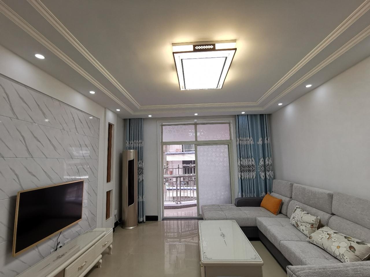 城南佳景3室2廳2衛56.8萬元