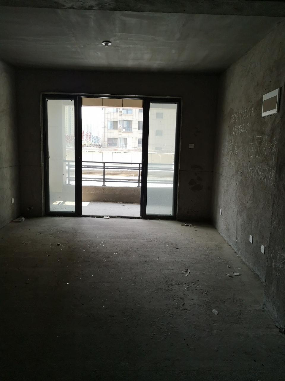 今日电梯洋房推荐新都御景3室1厅1卫500万元