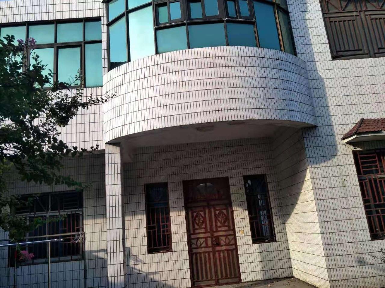 公安分局巷子别墅5室2厅1卫90万元