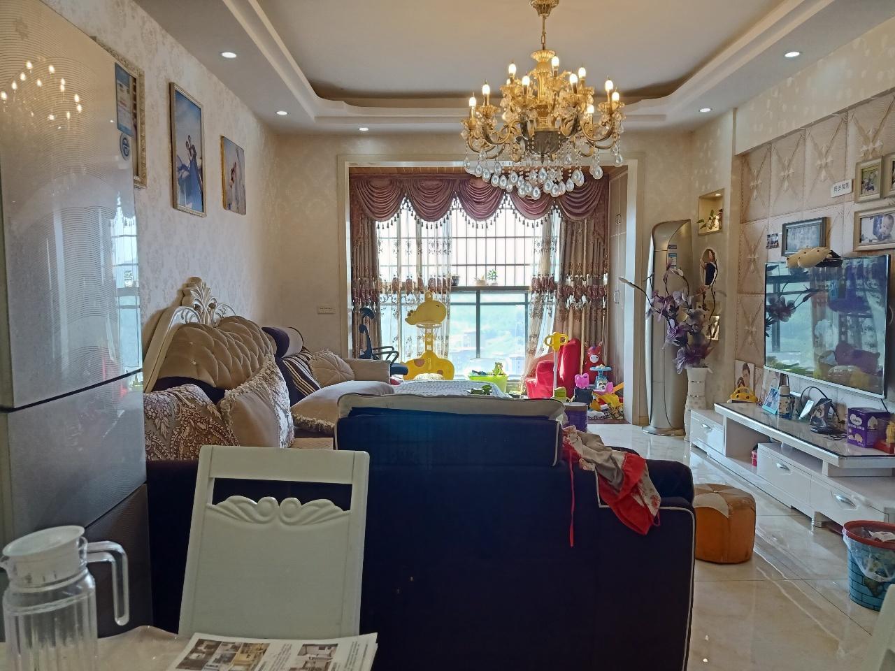 南湖城3室2厅2卫75万元