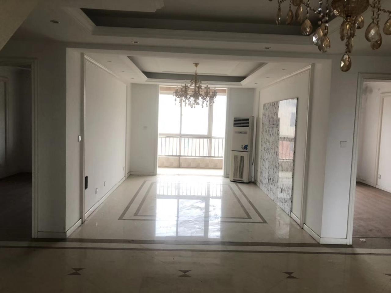 圣和雅居园5楼,精装3室,129平带车库+储藏室