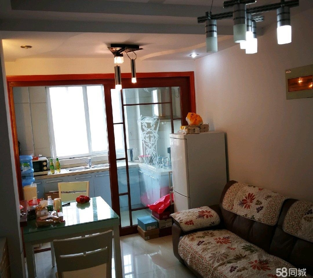 實驗學校淺水灣城市花園1室1廳62平米56萬元