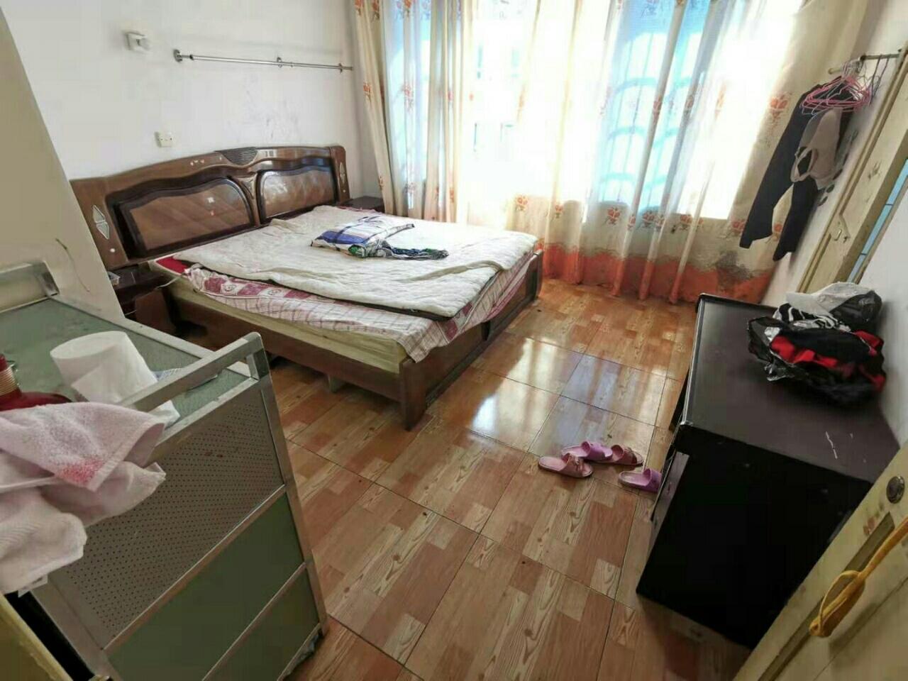 塔坪路片区2室2厅1卫32.8万元