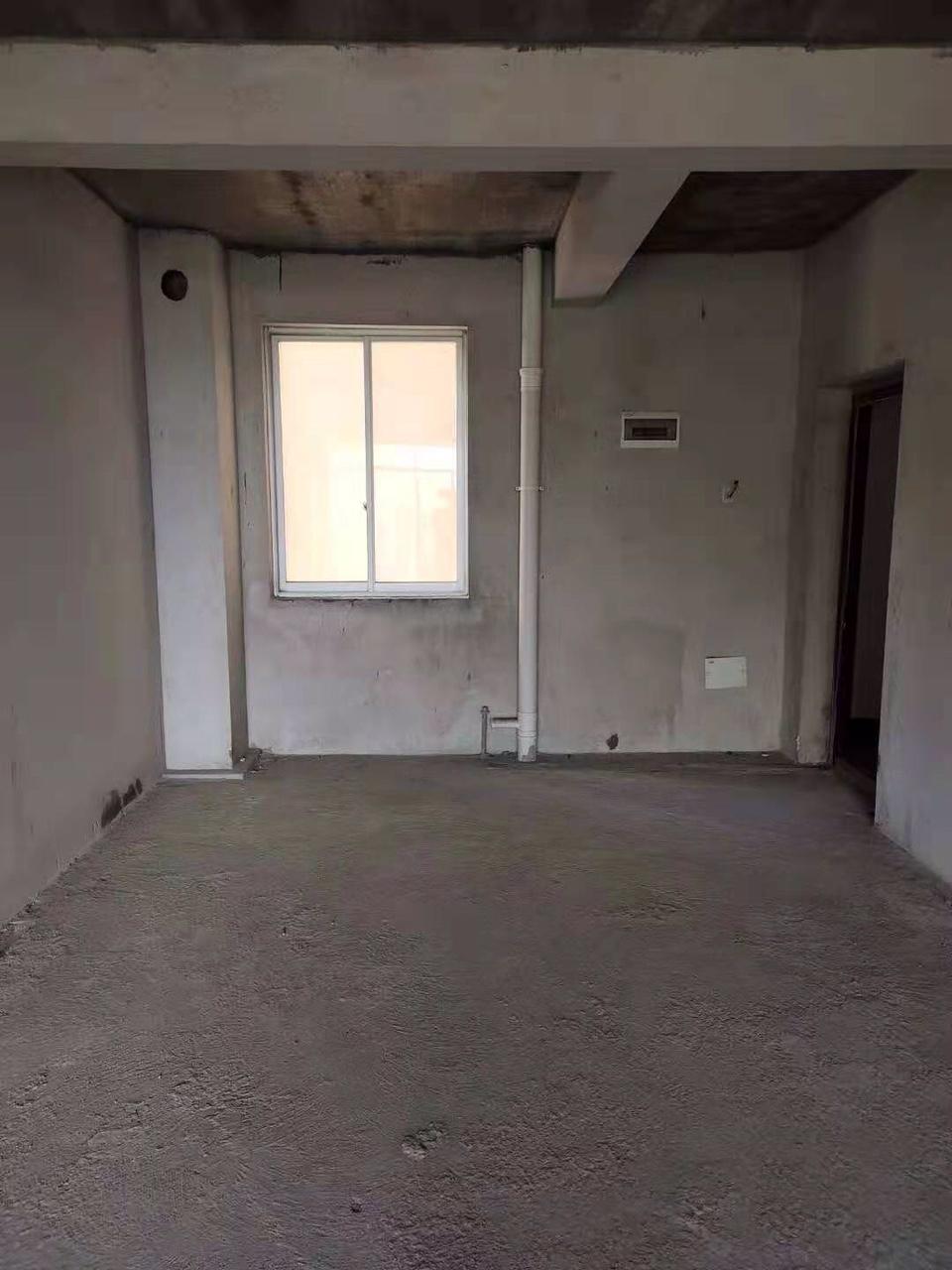 龙腾嘉园3室2厅2卫66万元
