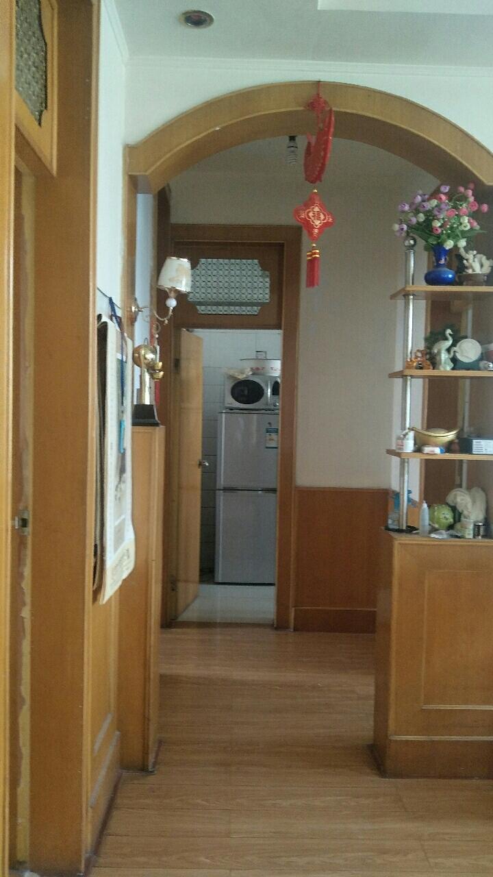 海岱小区4楼90平3室带储藏室60万双证