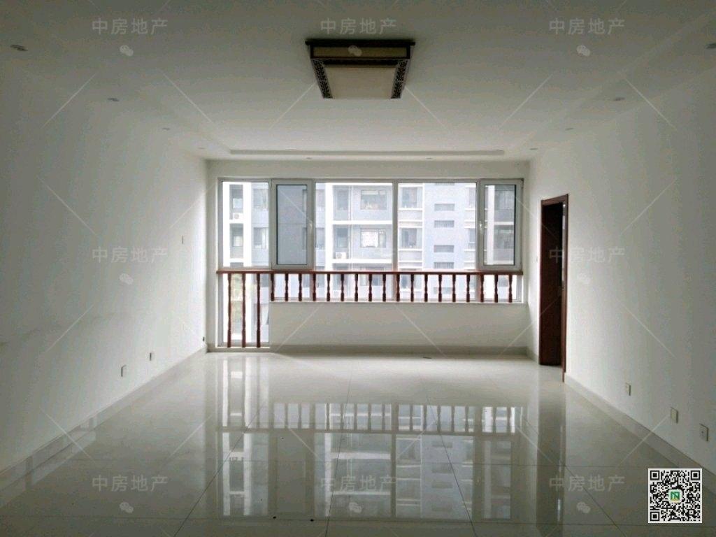 花园新城3室2厅2卫155万元