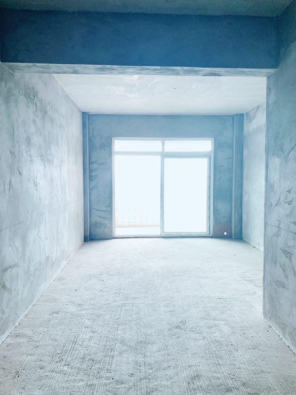 凯丽滨江4室1厅2卫78.8万元