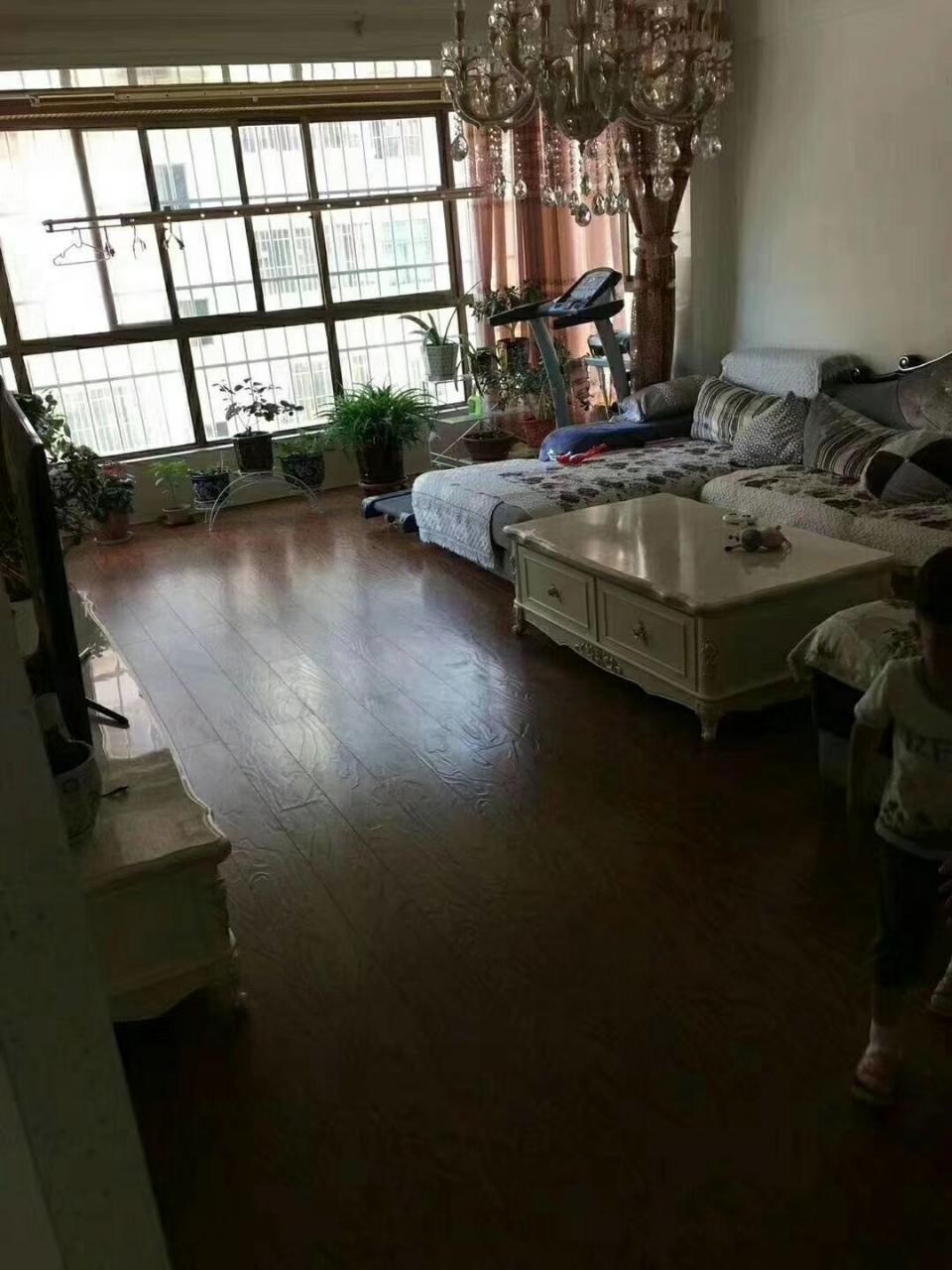 兴隆小区3室2厅2卫67万元