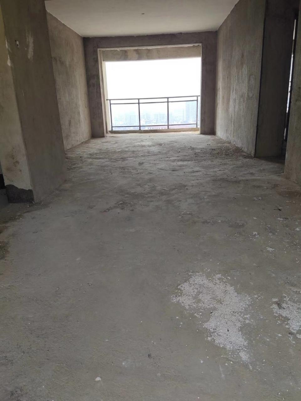 桃江龙城南北通透3室2厅2卫76万元
