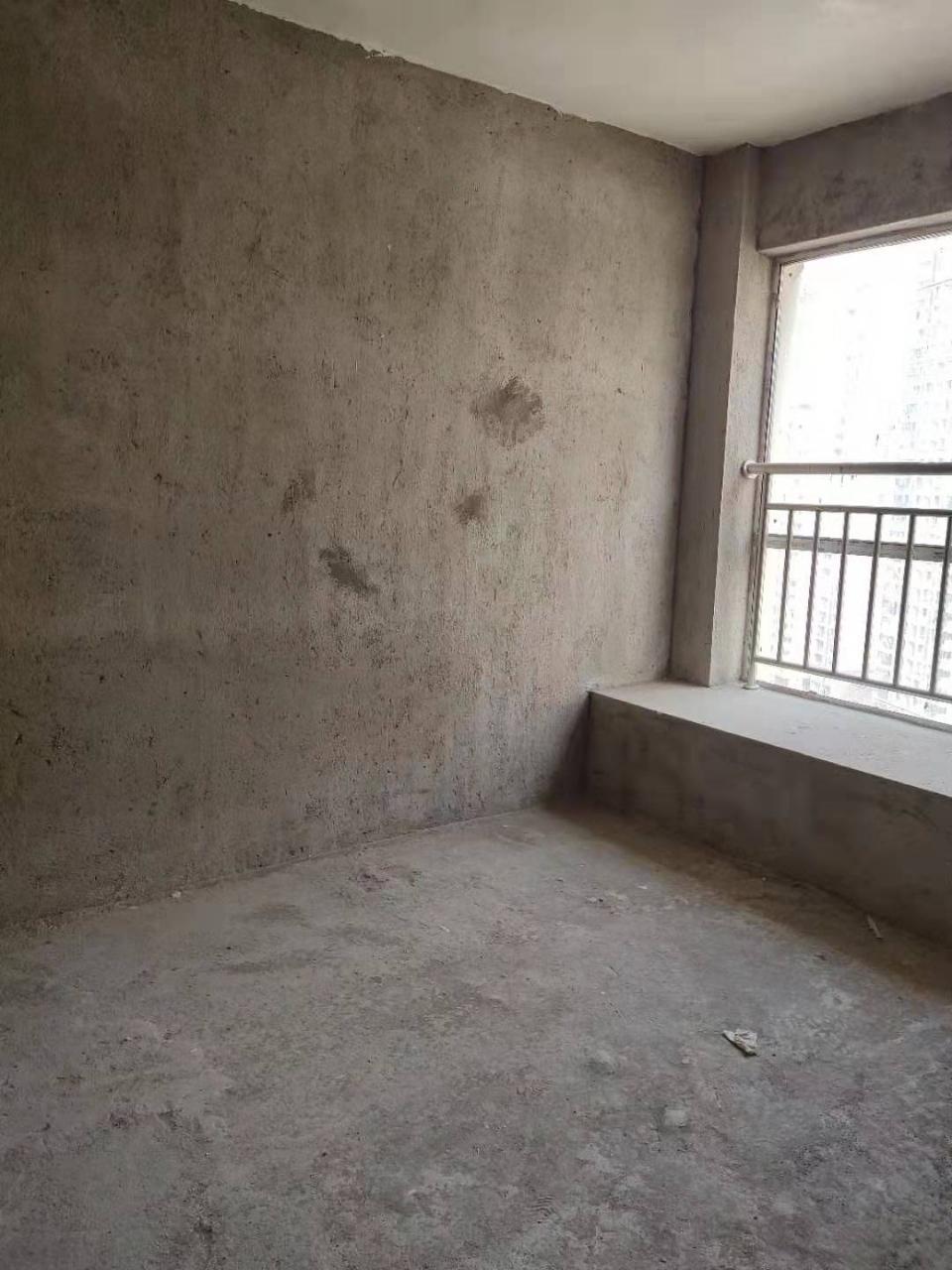 桃江龙城3室2厅2卫76万元