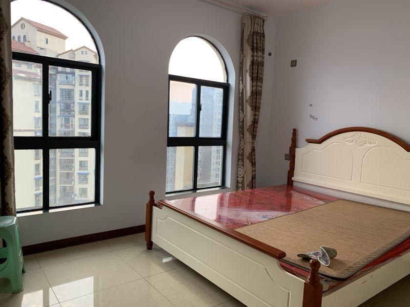 上甲御城3室2厅2卫110万元