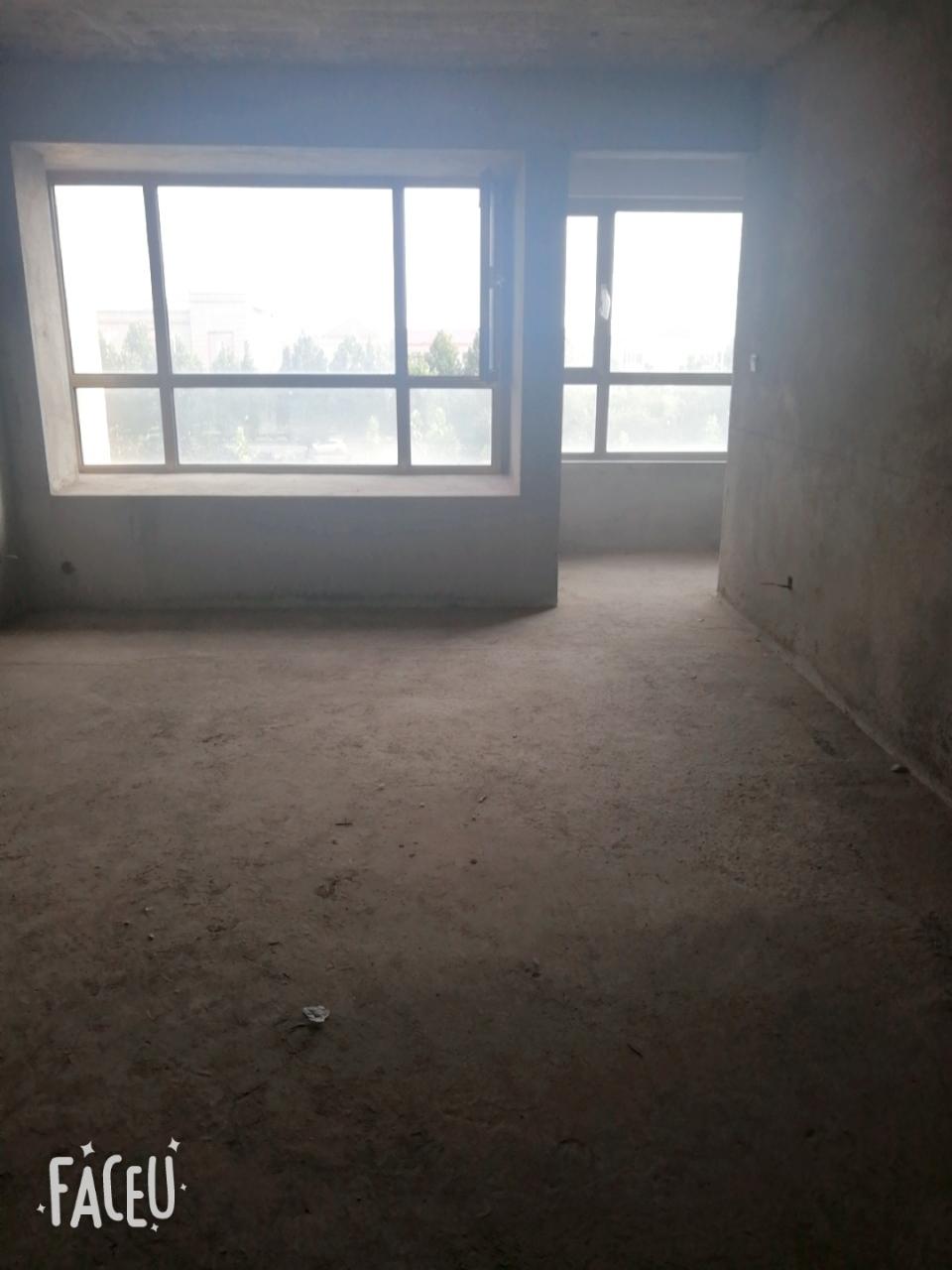 丽景豪庭洋房145平,4室2卫证满两年,108万