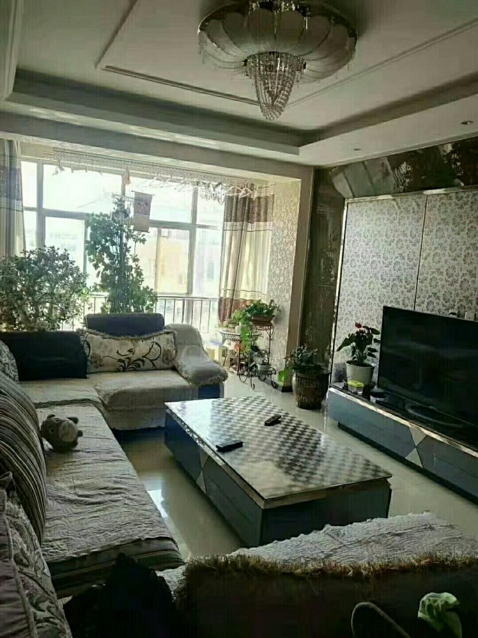 锦华苑4室2厅2卫75万元