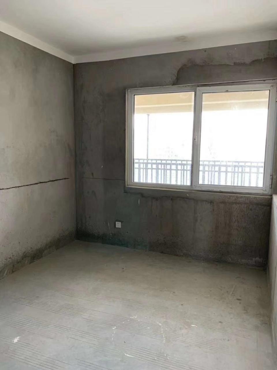 學區環繞房東賠錢就賣~萬嘉新城109平55萬