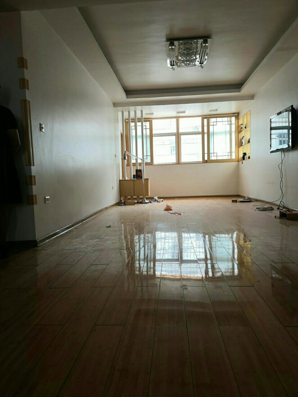 溫泉酒店隔壁3室2廳1衛49.9萬