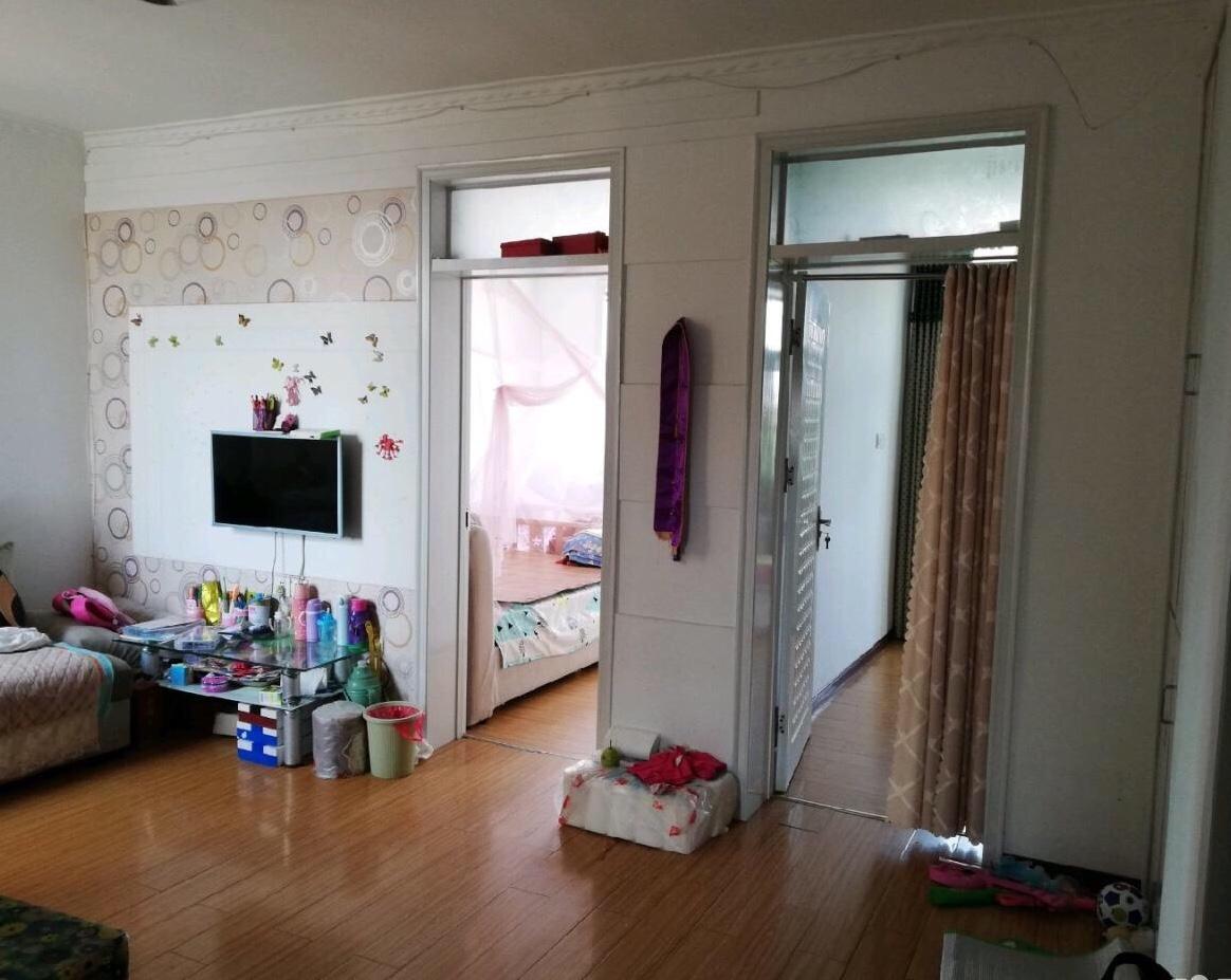 一实小家属院2室2厅1卫37万元
