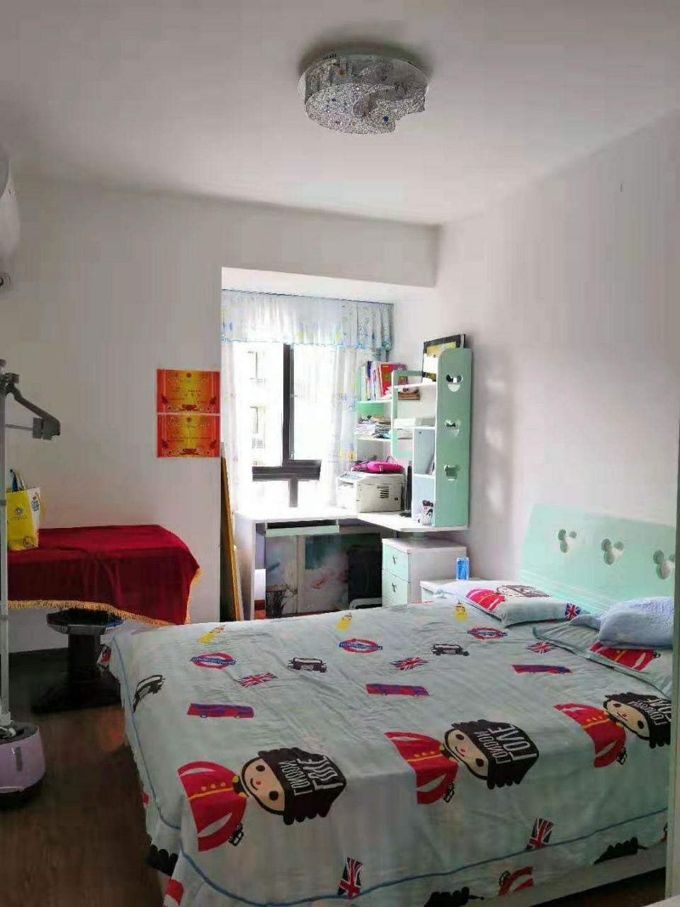 山台山3室2厅2卫63.8万元