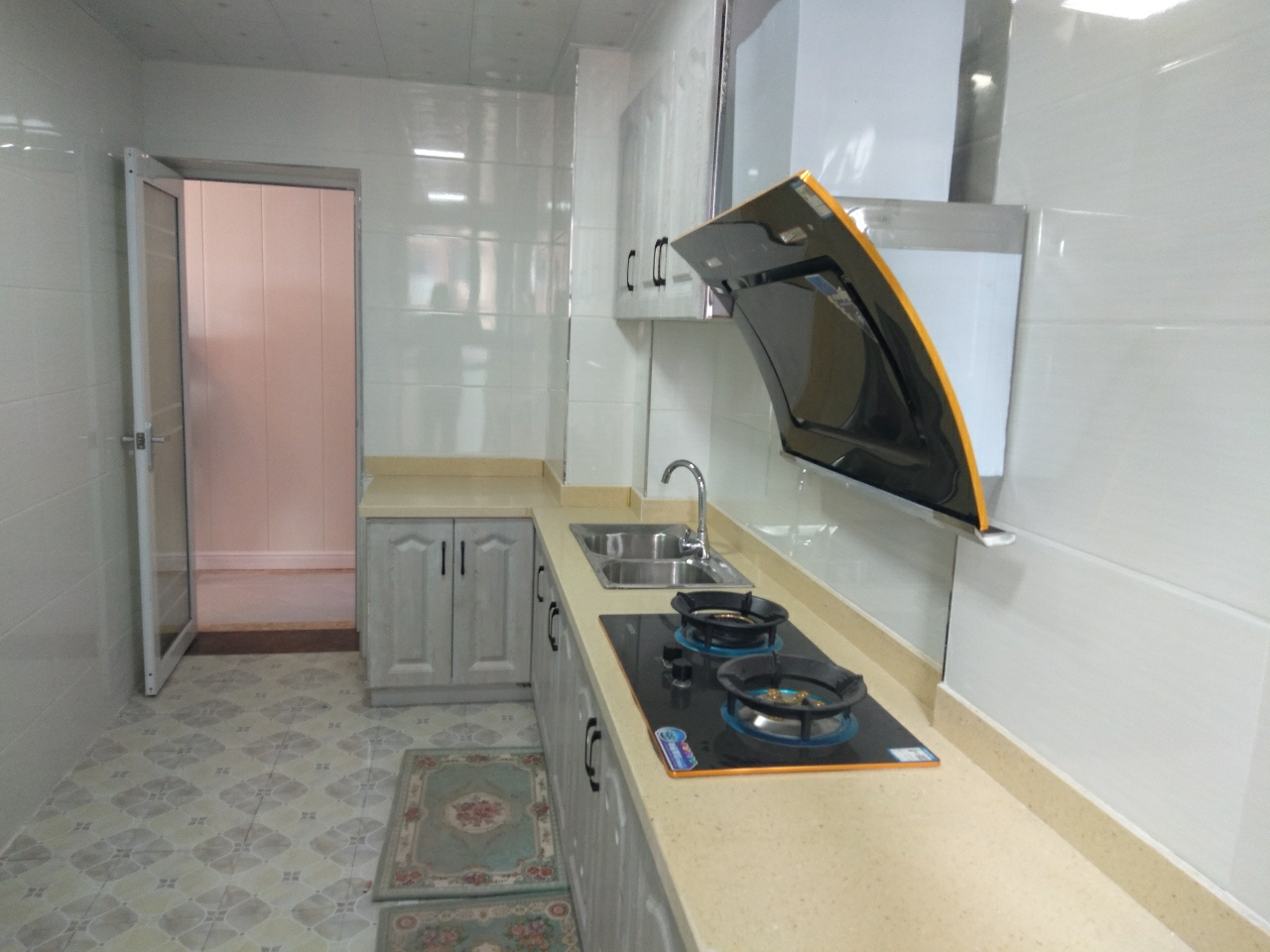 國興海棠國際3室2廳2衛73.8萬元