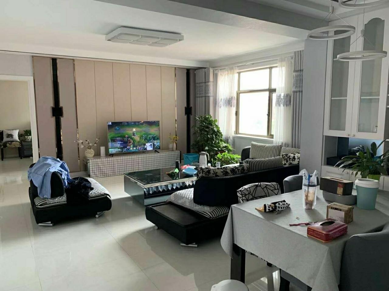 和谐家园3室2厅1卫新装78万元