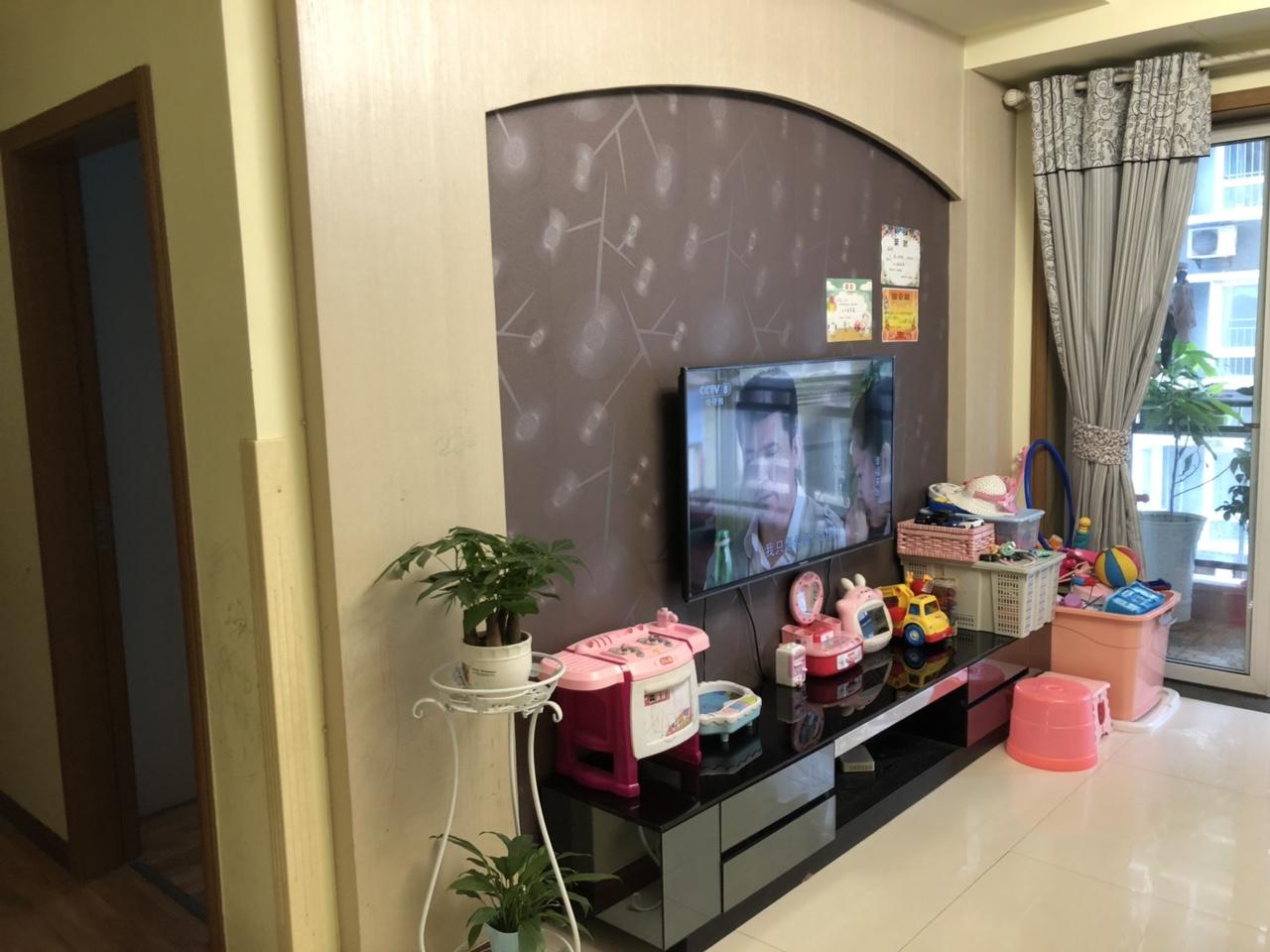 精品房出售临江花园3室2厅2卫83.8万元