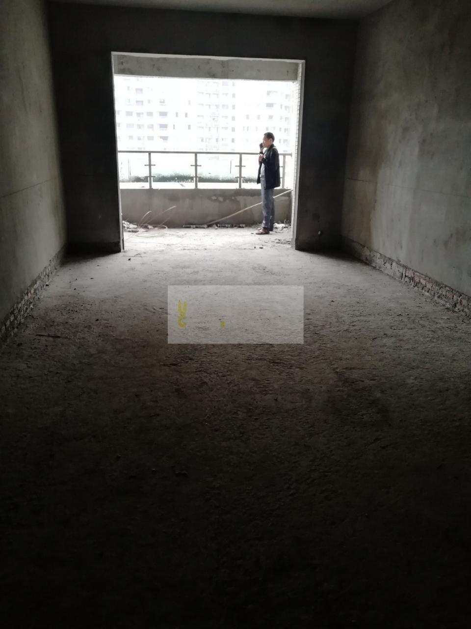 碧水河畔~清水3室2卫~双阳台~户型正~正看中庭