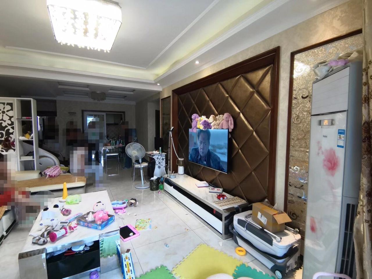 金阳广场3室2厅2卫58.8万元