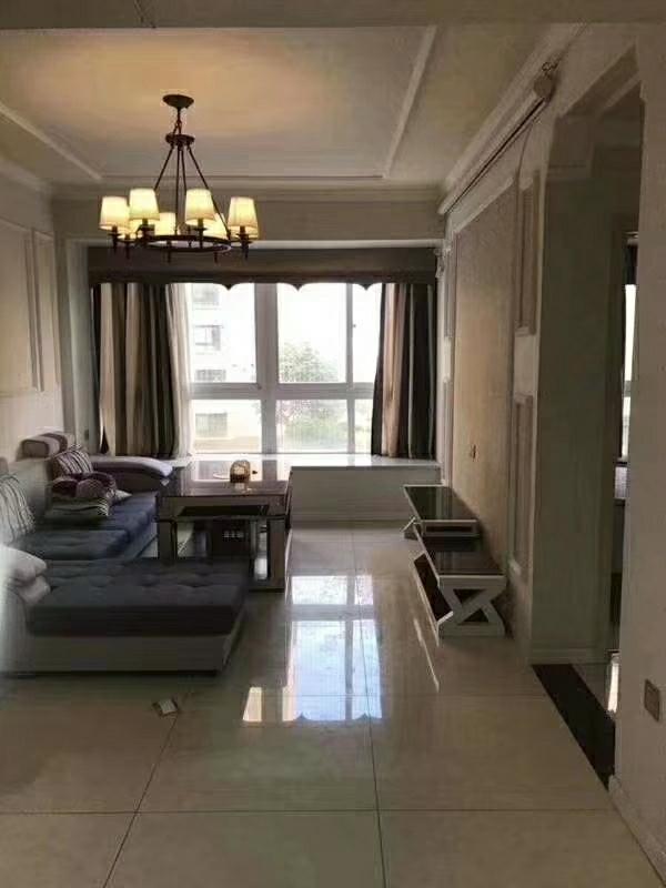 磐石·圣缇亚纳精装3室2厅1卫喊价52.8万元