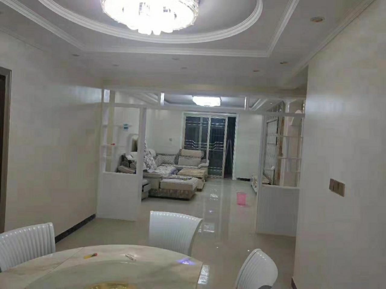 金星社区3室2厅2卫56万元