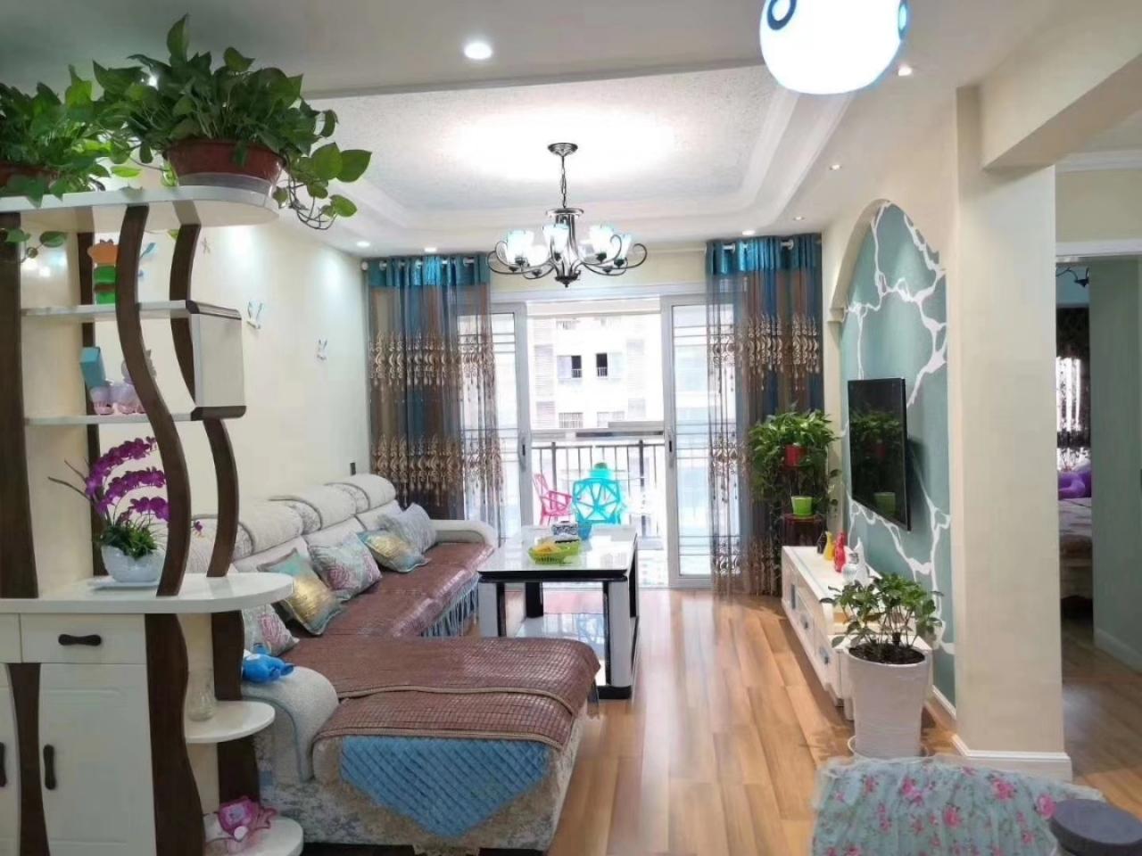 中央府邸精装2室2厅一口价54.8万,拎包入住。