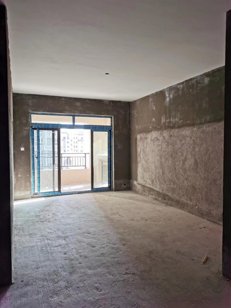 天生湖清水3室2厅仅售42.8万,超?#22270;?#26684;,好房!