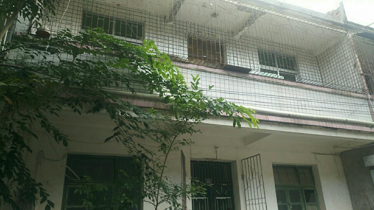 万福路自建房二层楼8X15米证件齐全