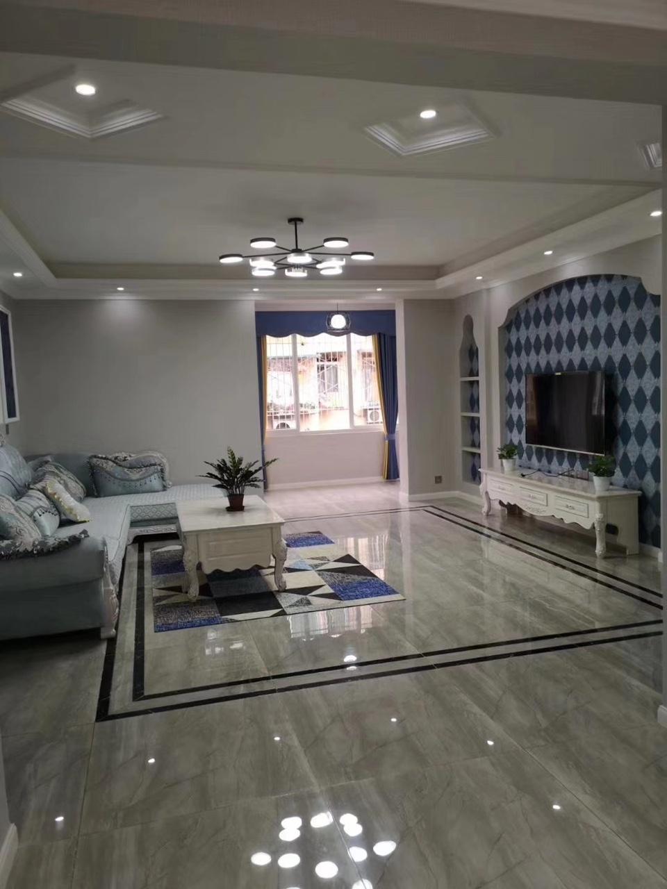 花园巷3室2厅2卫75.8万元精装