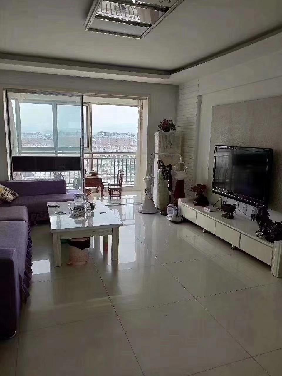 海岱南苑11楼,140平精装3居,带储藏室,证全