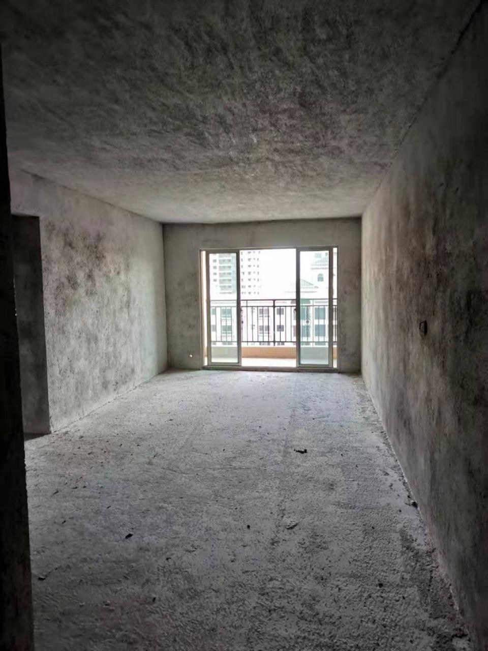 碧桂城4室2厅2卫68.8万元高层可做楼中楼