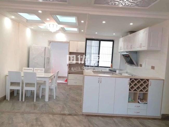 世客城5室2厅2卫80万元精装修送家具家电