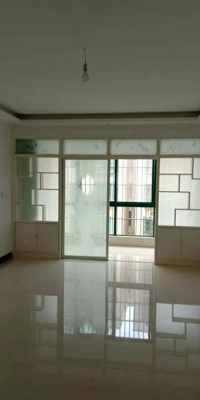 世纪新村二期3室2厅2卫67万元