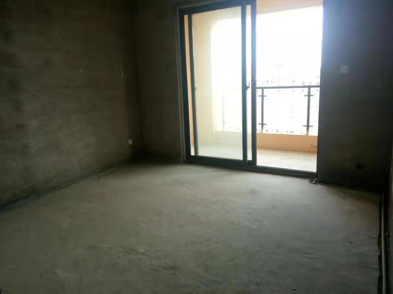 万家新城三室两厅
