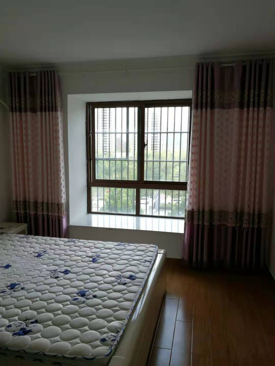 丽阳豪苑3室2厅2卫93万元