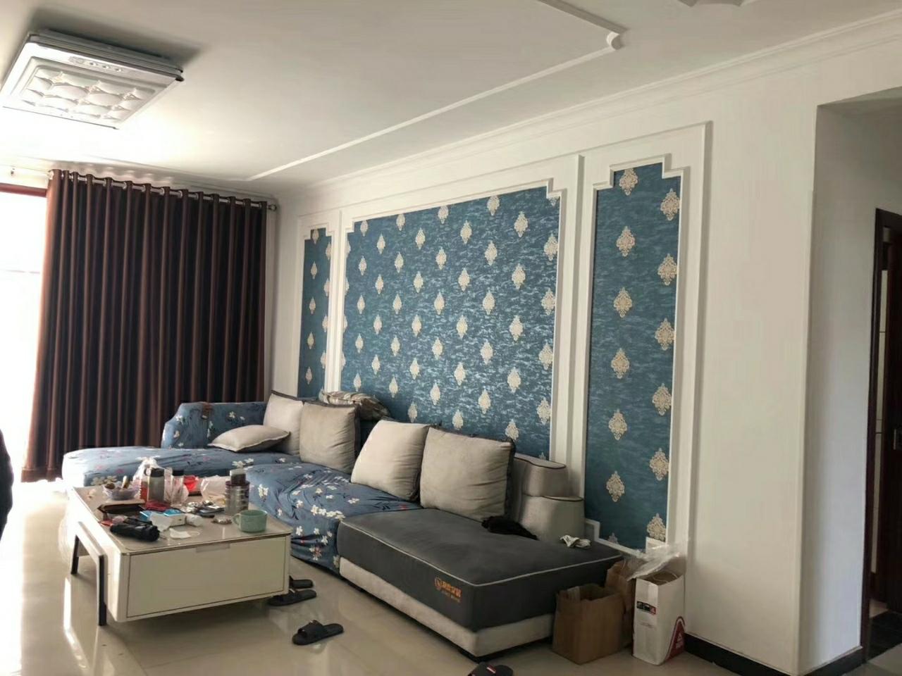 锦绣花园3室2厅2卫90万元带小房