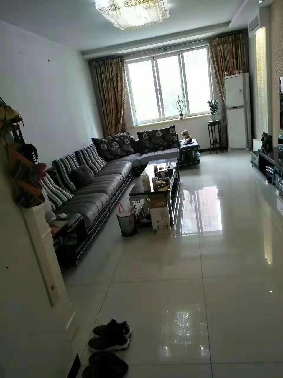 中山新城3室2厅2卫92万元