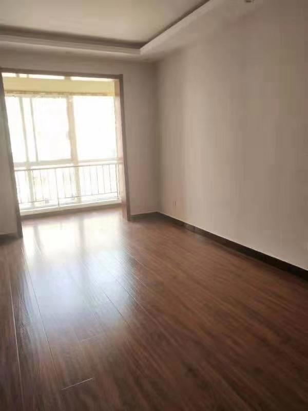 东方秀轩3室2厅2卫99.9万元新本