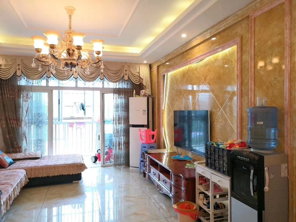 3室2厅2卫62.8万元