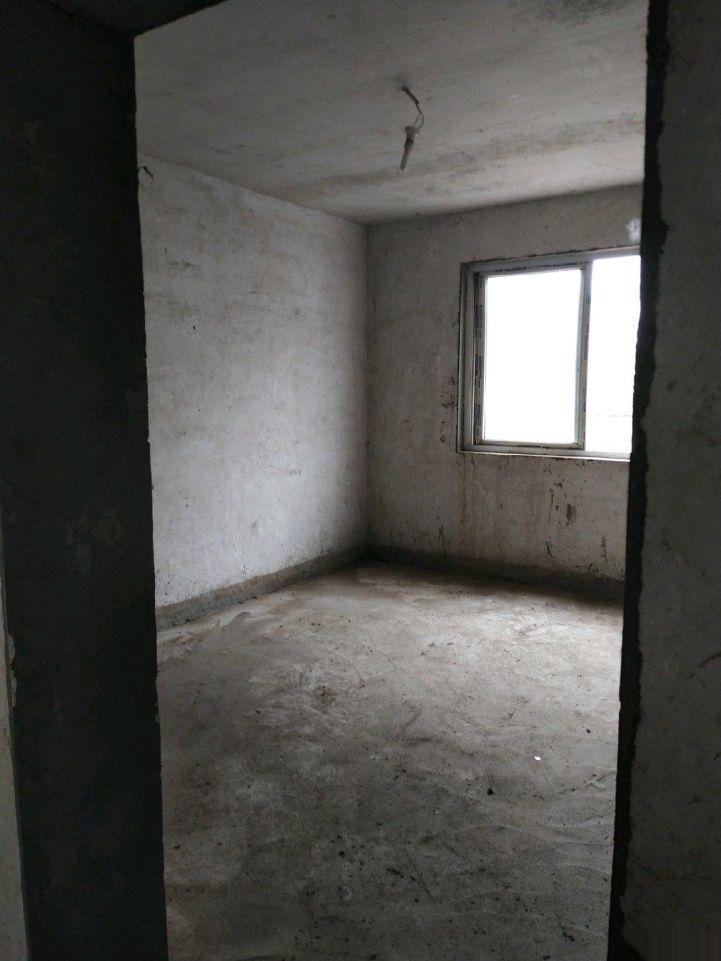紅河小區步梯3樓27帶儲藏室可按揭