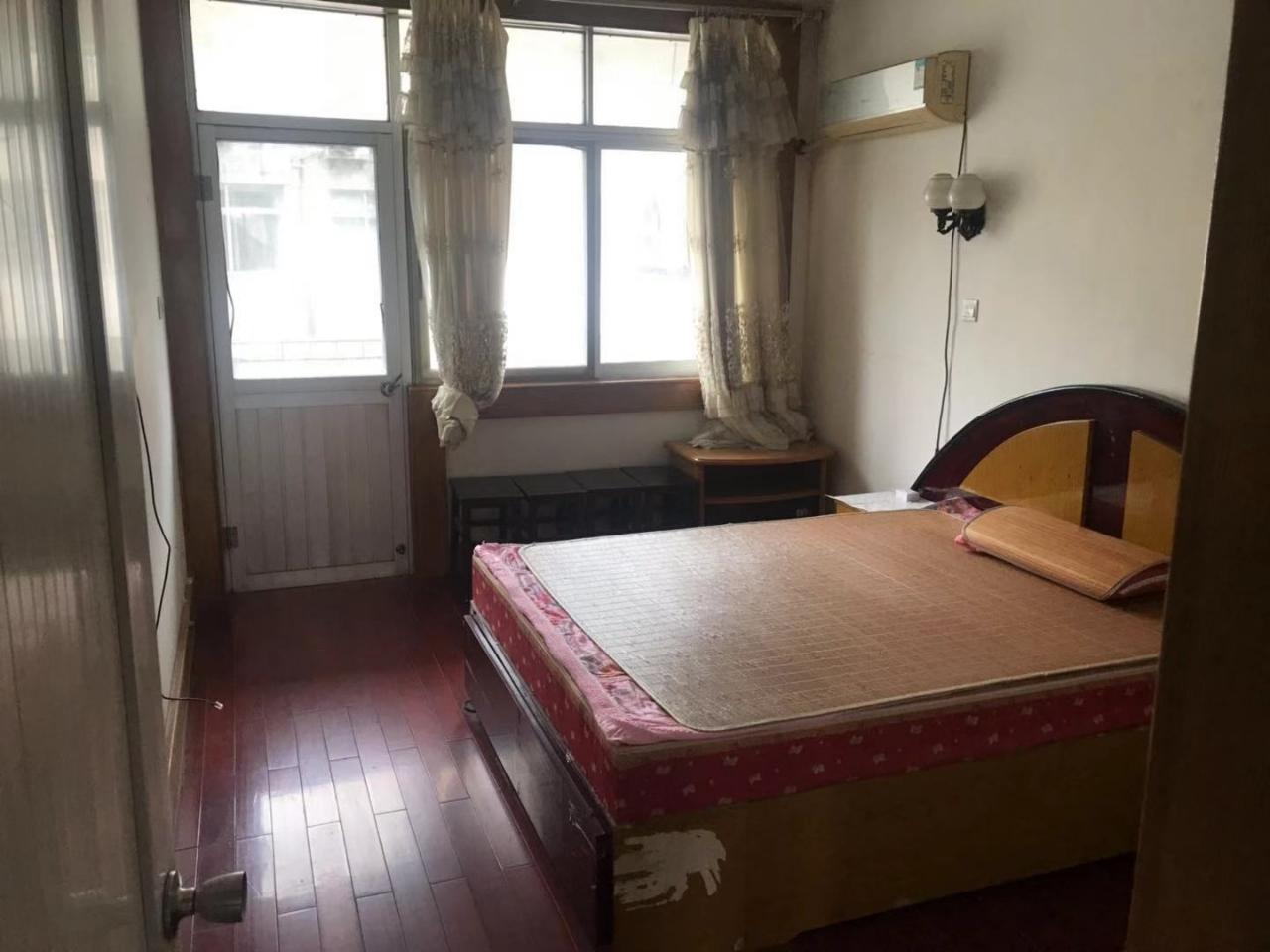 北明霞小区83平米3室1厅1卫60万元