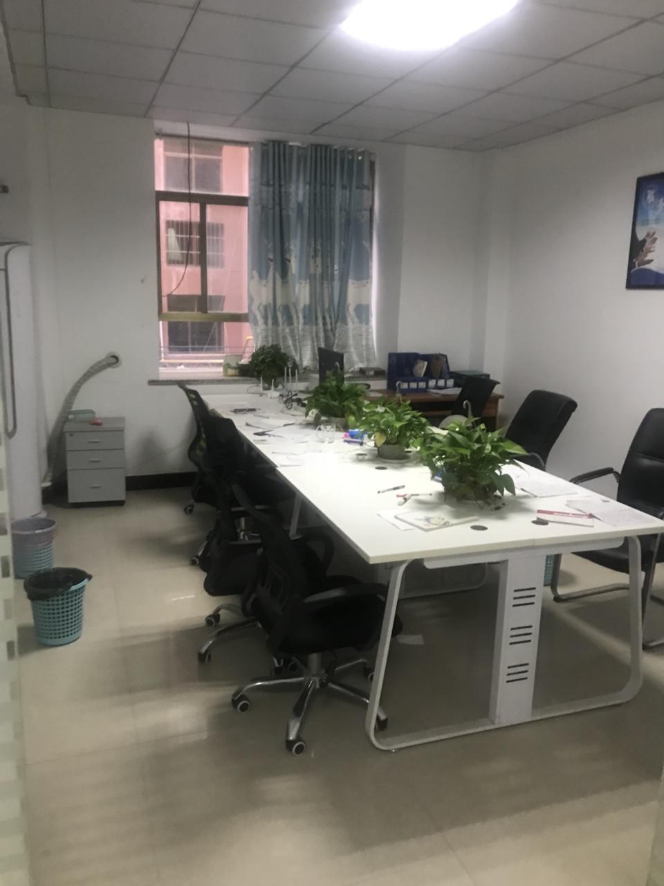 辦公室桌椅,低價出售