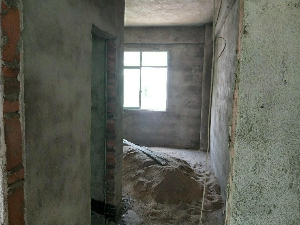 华人国际后面老汽车站3室 2厅 2卫85万元