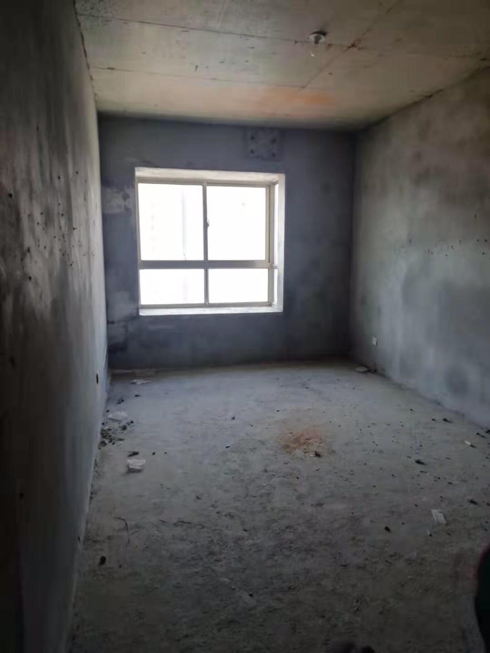 和谐家园3室 2厅 2卫80万元